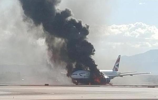 Motore in fiamme per un Boeing 777 British Airways