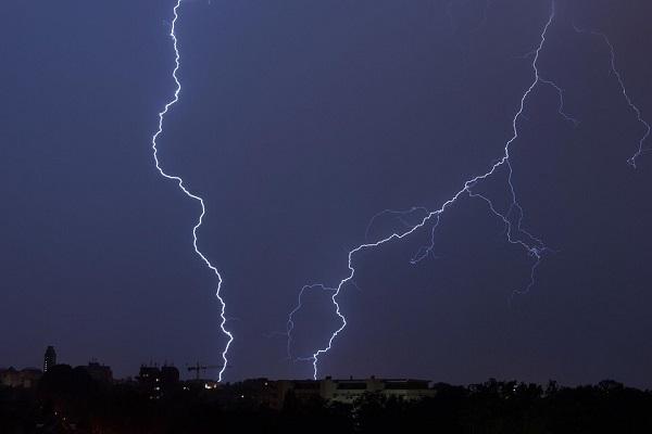 Allerta meteo, piogge e freddo dal Centro al Sud, nubifragi in arrivo
