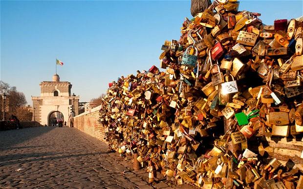 ponte milvio lucchetti romanticismo